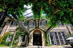 Glendon Manor Entrance