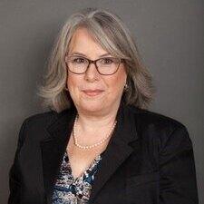 communications professor Marlene Murphy
