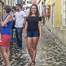 Portuguese studies alumna Jessica Cunha