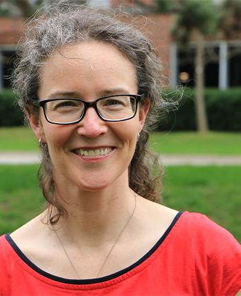 Profile photo of professor Maggie Quirt