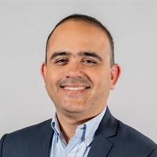 IEP alumnus Nestor Castro