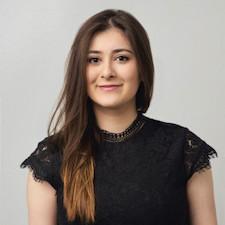 Commerce alumna Fruzan Nijrabi