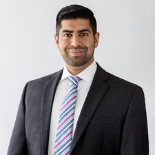 BCom alumnus Emad Hussain