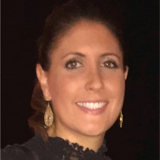 Business & Society alumna Alexandra Arduini