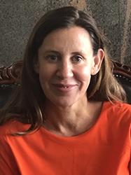 Denielle_Elliot, Associate_Professor