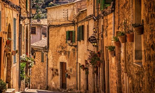 quaint, narrow, traditional spanish town street