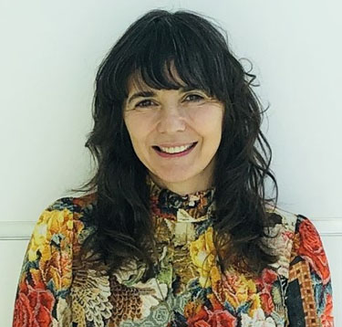 Jenifer Papararo headshot